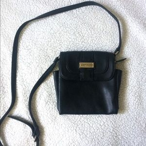 Kenneth Cole Reaction Black Crossbody Bag